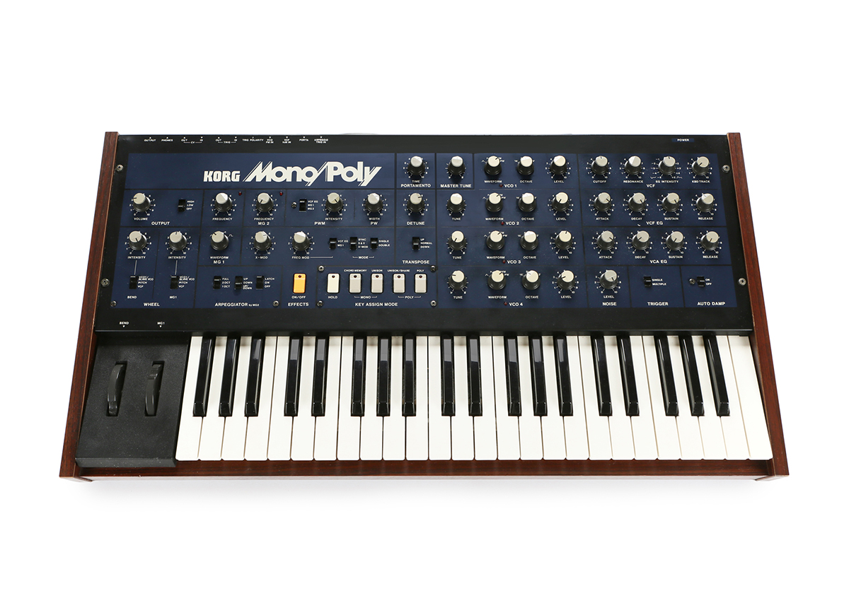 The Korg Mono/Poly, featuring a similar paraphonic architecture as the Matriarch.