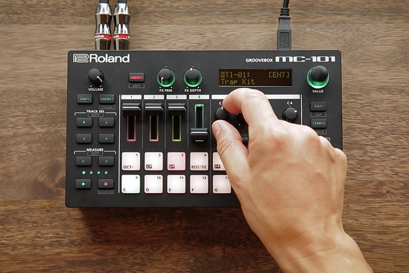 Roland MC-101 at a Glance