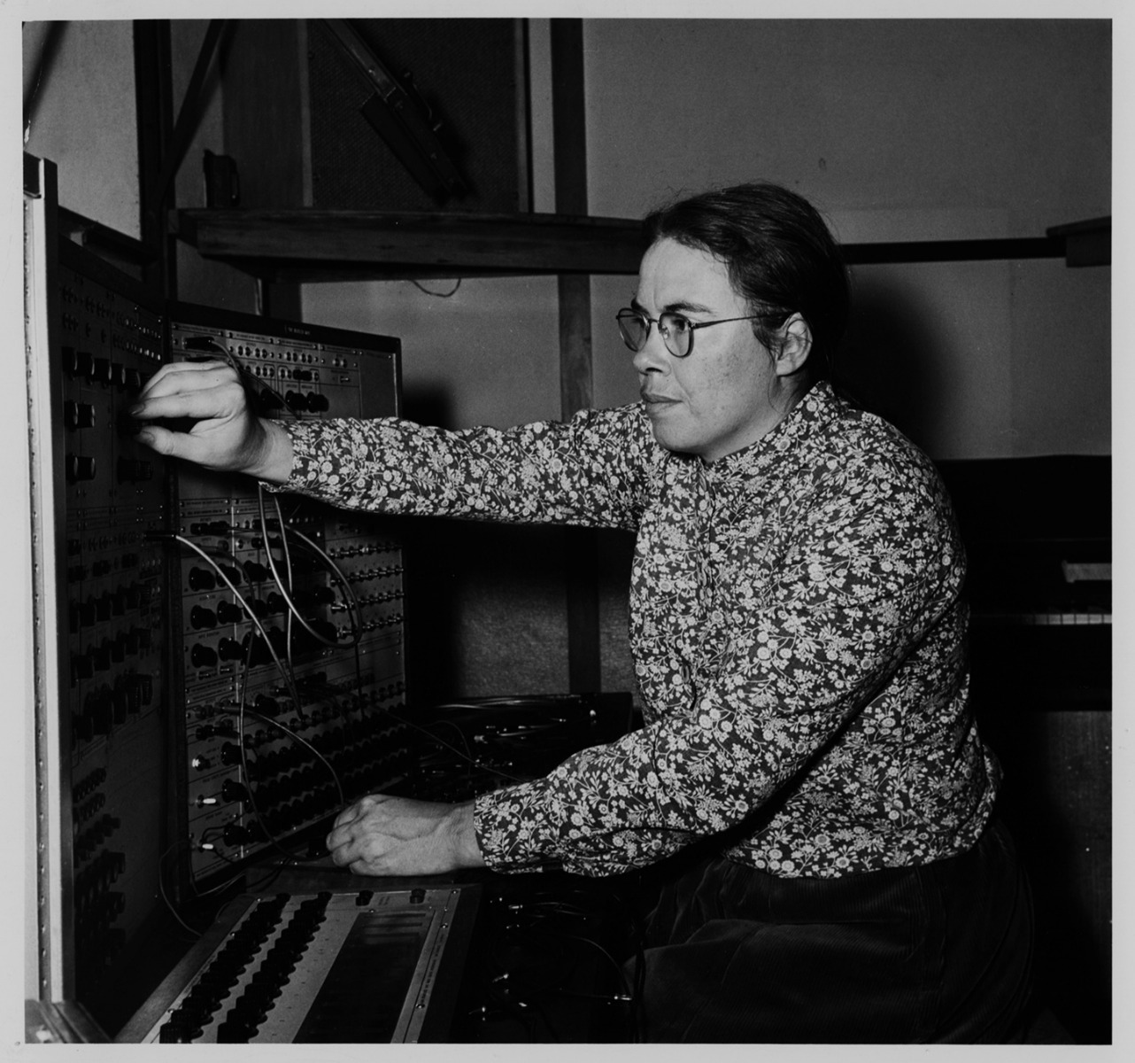 Pauline Oliveros with the Buchla 100